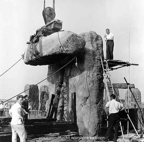 1954-stonehenge_copy113