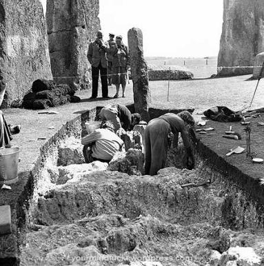 1954-stonehenge_copy33