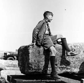 1954-stonehenge_copy41