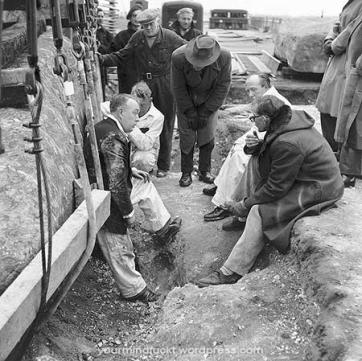 1954-stonehenge_copy67
